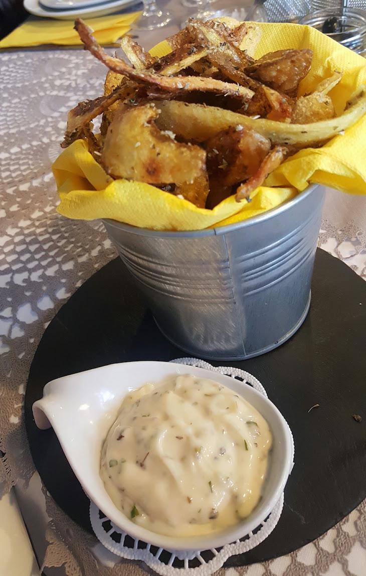 Cascas de batata no Restaurante Villazur - Vila do Conde © Viaje Comigo