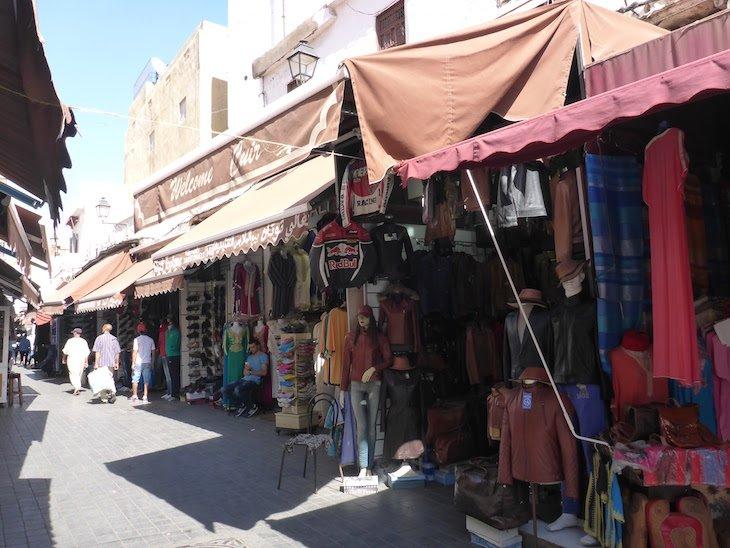 Lojas da Medina de Casablanca - Marrocos © Viaje Comigo