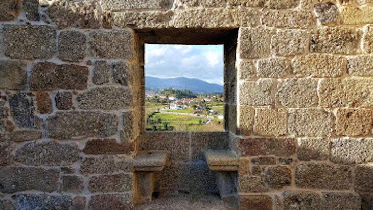 Janela conversadeira no Paço de Giela - Arcos de Valdevez © Viaje Comigo