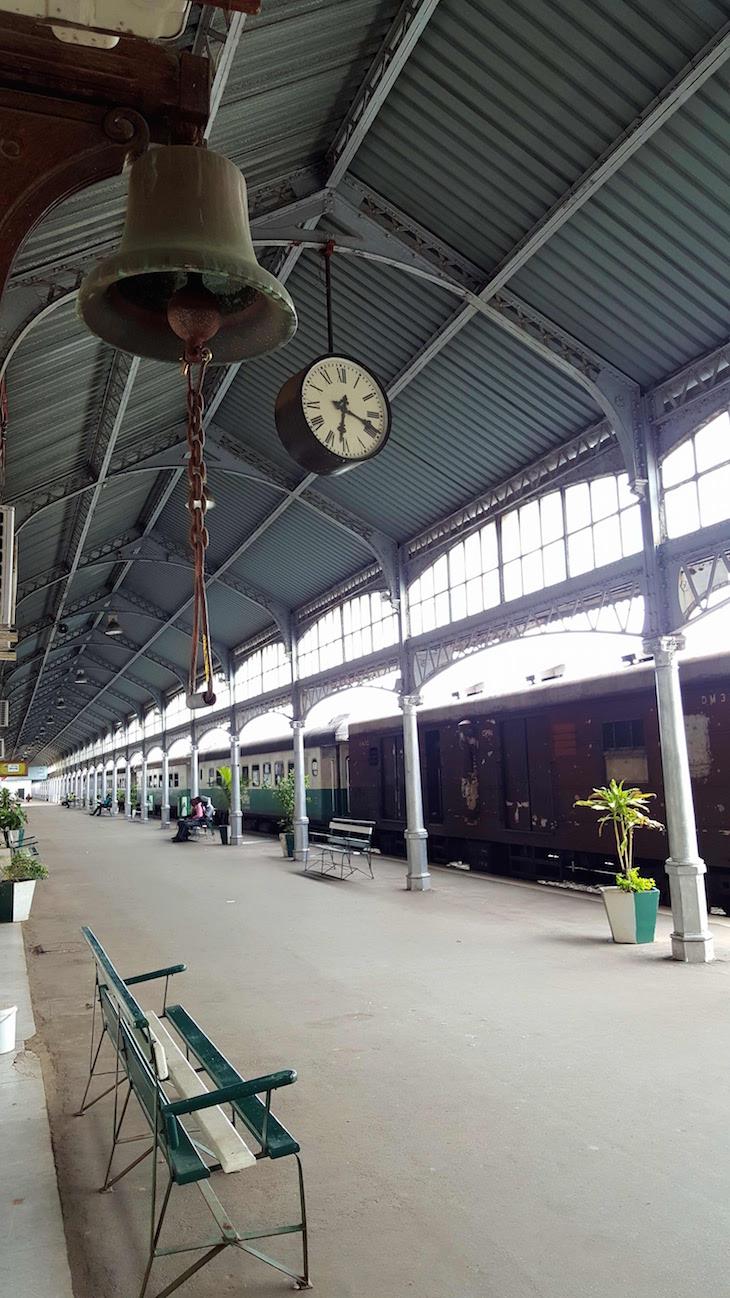 Relógio da Estação do Caminho de Ferro de Maputo - Moçambique© Viaje Comigo
