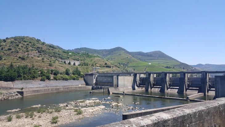 Barragem de Bagaúste - Estrada Nacional 222 © Viaje Comigo