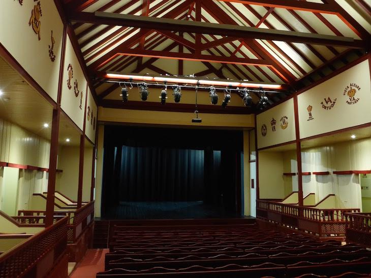 Sala do Teatro - Vista Alegre © Viaje Comigo