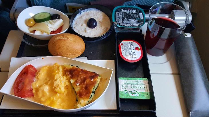 Pequeno-almoço - Turkish Airlines © Viaje Comigo