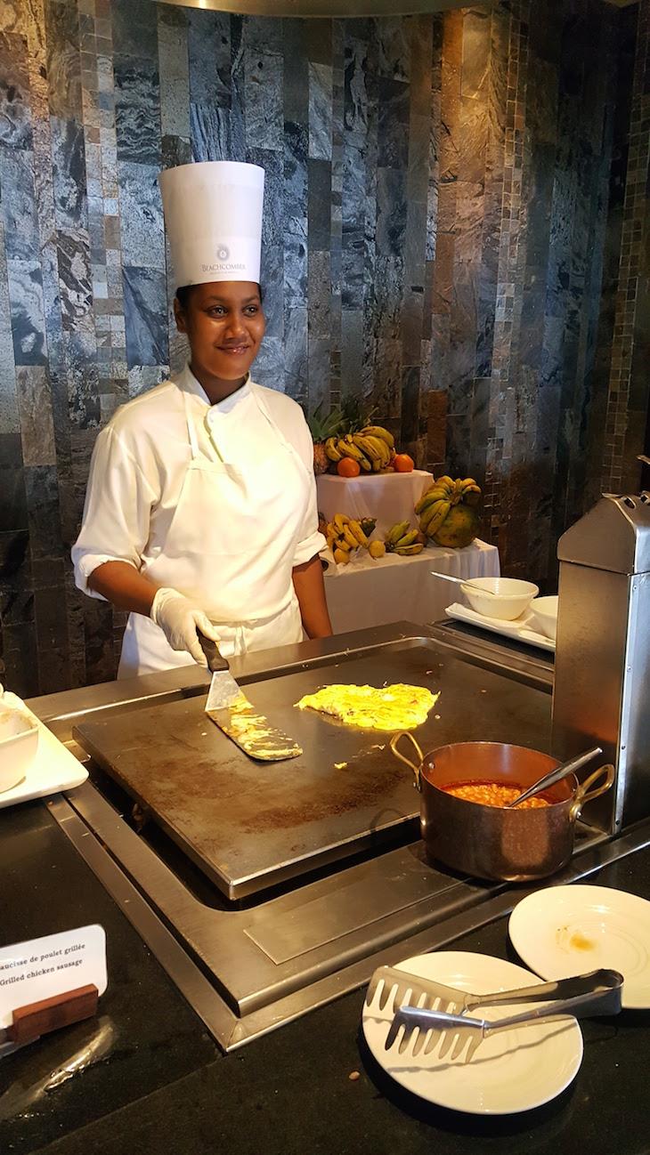 Pequeno-almoço com um sorriso no Troux Aux Biches Resort - Maurícias © Viaje Comigo