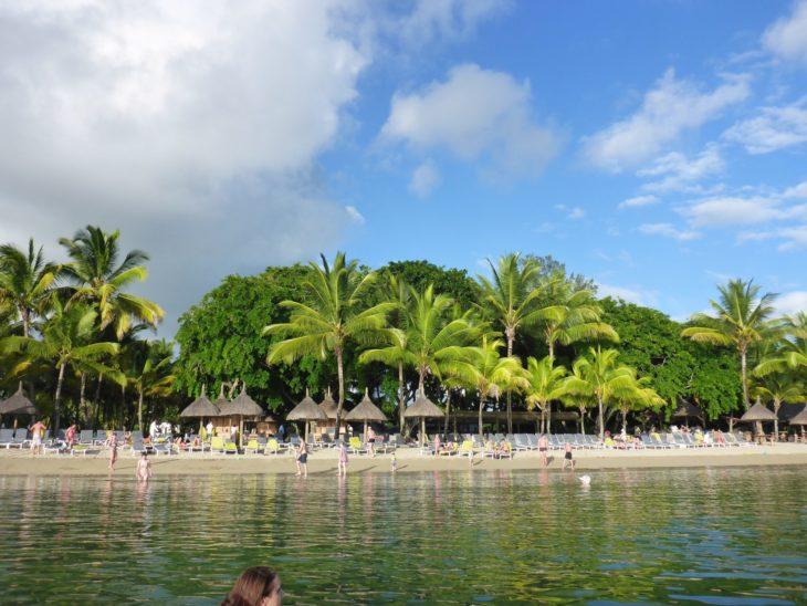 Praia no Hotel Ravenala Attitude - Ilhas Maurícias © Viaje Comigo