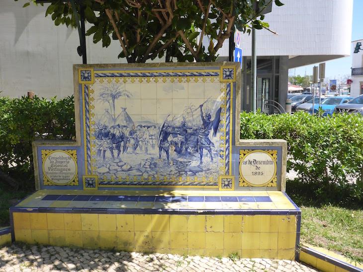 A Consolidação do Império Colonial Português (28 de dezembro de 1895) - Jardim 1º Dezembro em Portimão © Viaje Comigo