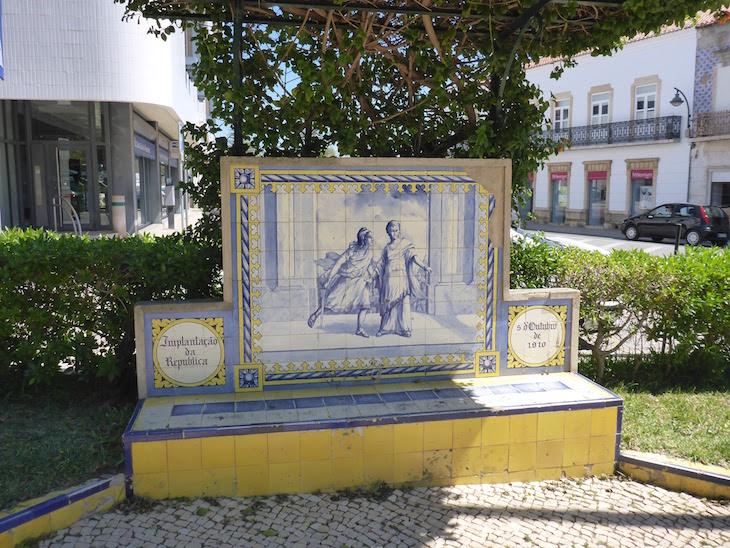 A Implantação da República (5 de outubro de 1910) - Jardim 1º Dezembro em Portimão © Viaje Comigo