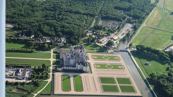 A voar por cima do Château de Chambord - França - Foto com a Canon PowerShot G7 X Mark II © Viaje Comigo