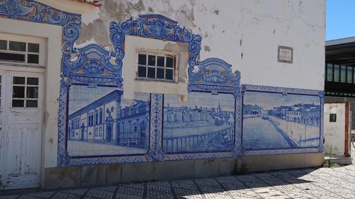 Azulejos da estação de comboios de Aveiro, Portugal © Viaje Comigo