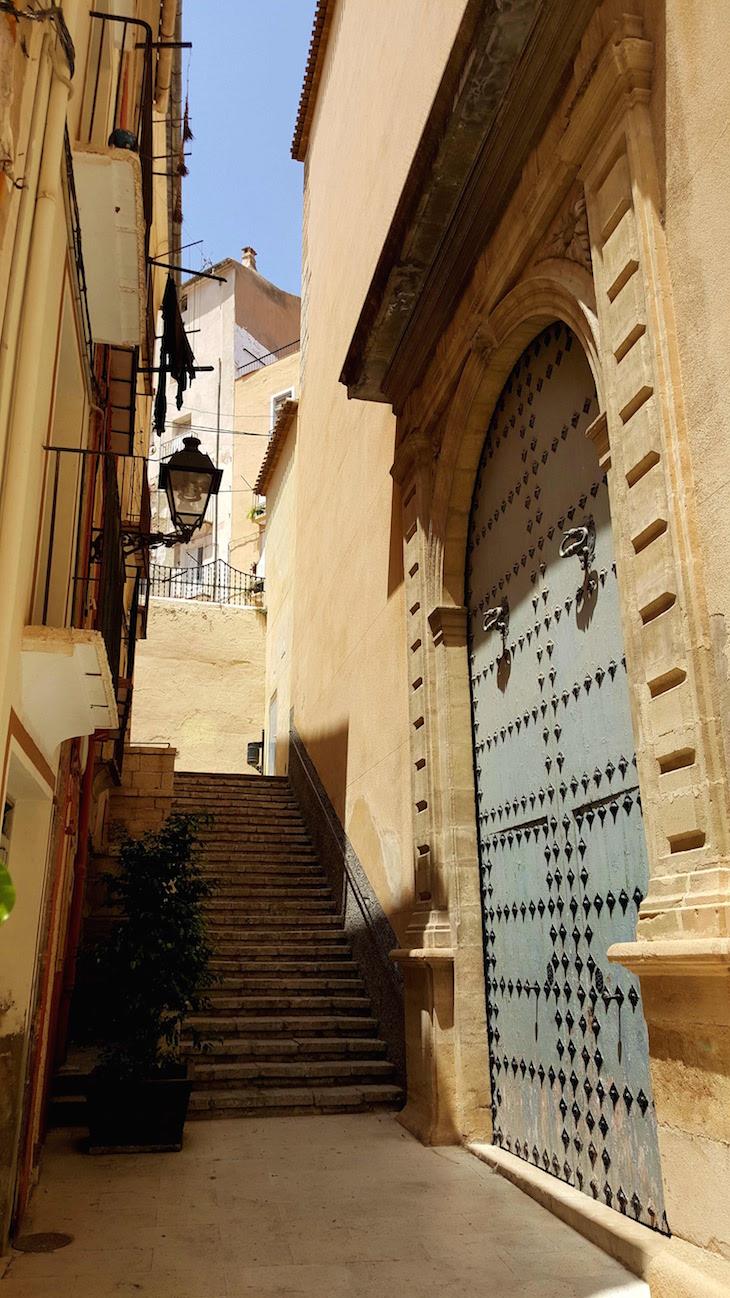 Porta da Igreja Nossa Senhora Assunção - Jijona - Espanha © Viaje Comigo