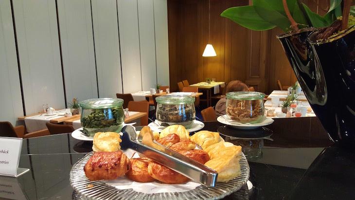 Pequeno-almoço no Glockenhof Zürich Hotel - Zurique © Viaje Comigo