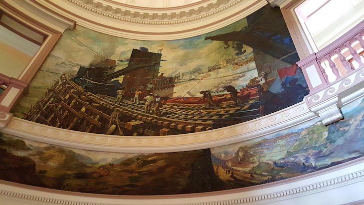 Pintura na Sede administrativa do Canal de Panamá © Viaje Comigo