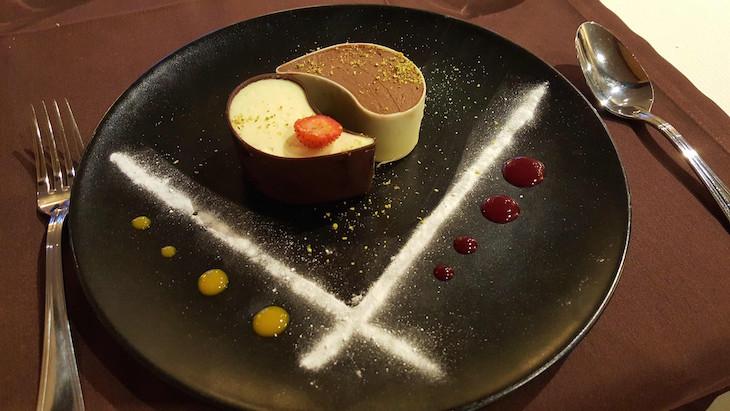 Sobremesa no Restaurante La Creusille - Blois © Viaje Comigo