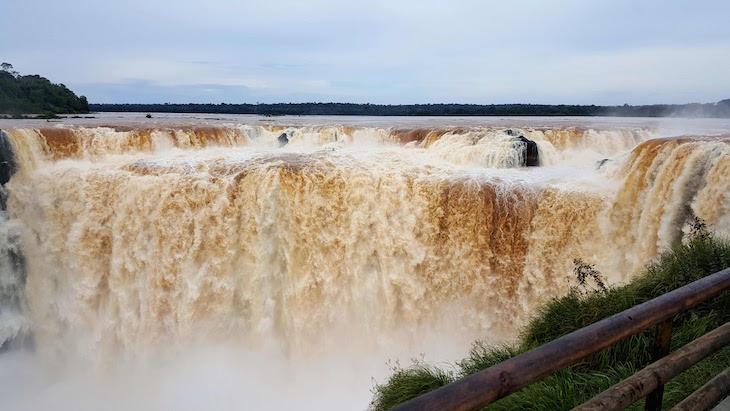 Na Garganta del Diablo - Cataratas del Iguazú, Argentina © Viaje Comigo