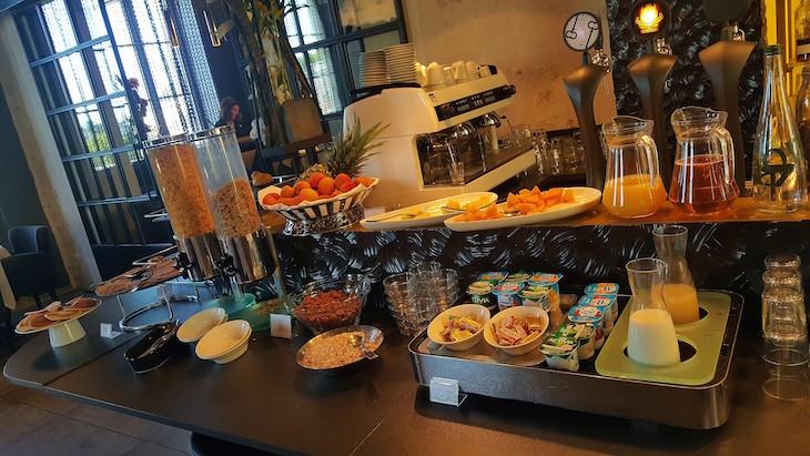 Pequeno-almoço no Empreinte Hôtel - Boutique e Spa - Orleães, França © Viaje Comigo