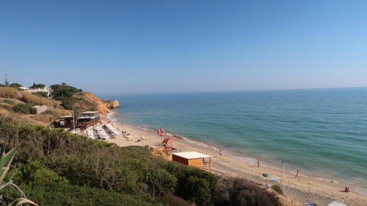 Vista do Club Med Da Balaia para a praia Maria Luísa - Algarve © Viaje Comigo