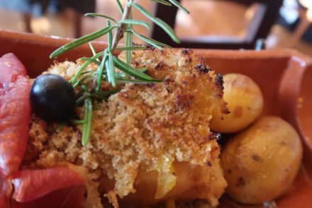 Bacahau com broa - Restaurante Chafarix, Melgaço, Portugal © Viaje Comigo