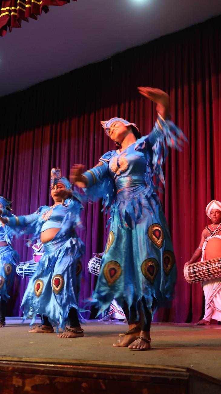 Dançarinas no espetáculo em Kandy - Sri Lanka © Viaje Comigo
