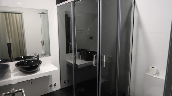 Casa de banho no 8 Villas - Santo Tirso © Viaje Comigo