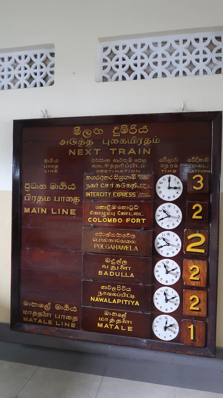 Estação de Kandy - Viagem de comboio no Sri Lanka © Viaje Comigo