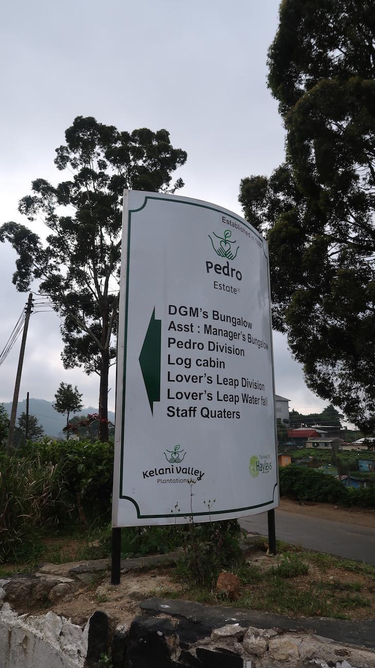 Indicações na estrada - Lover's Leap, Nuwara Eliya, Sri Lanka © Viaje Comigo