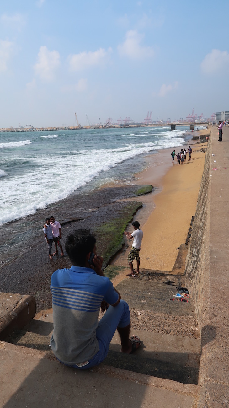 Praia em Colombo - Sri Lanka © Viaje Comigo