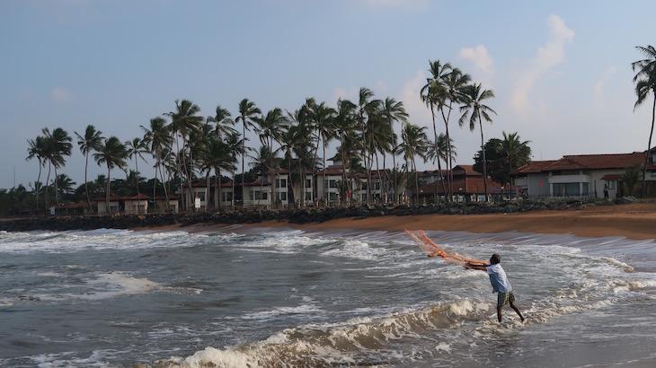 Pescador no Club Hotel Dolphin - Sri Lanka © Viaje Comigo
