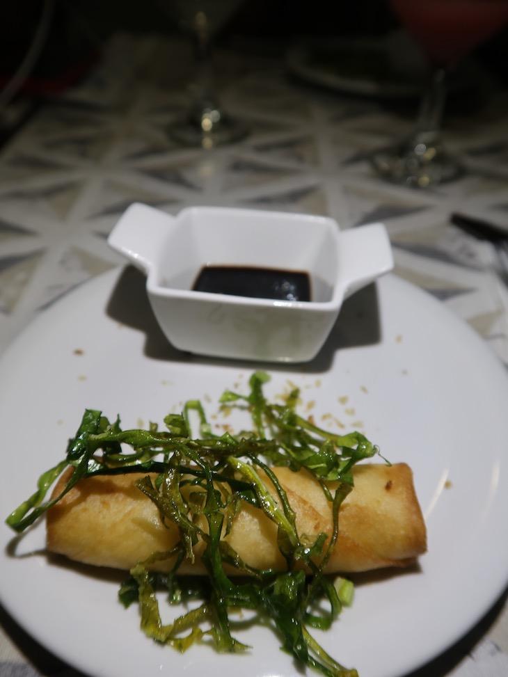 Rolinho de queijo - jantar Passeio Catamara - Recife - Brasil © Viaje Comigo