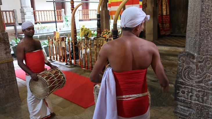 Templo da Relíquia do Dente Sagrado, Kandy, Sri Lanka © Viaje Comigo