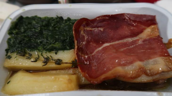 Prato de carne - Retrojet TAP para Recife © Viaje Comigo