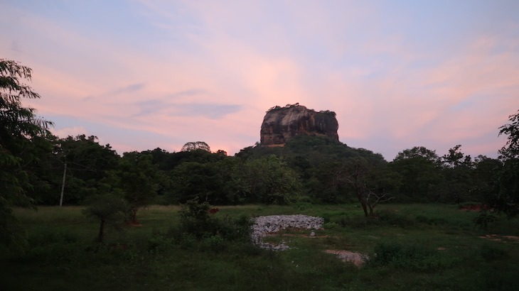 Vista para Sirigiya - do hotel Zinc Journey para Sigiriya - Sri Lanka © Viaje Comigo