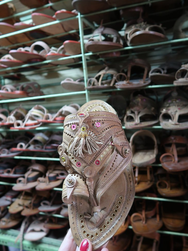 Sandálias Chapalls - Kolhapur - India © Viaje Comigo