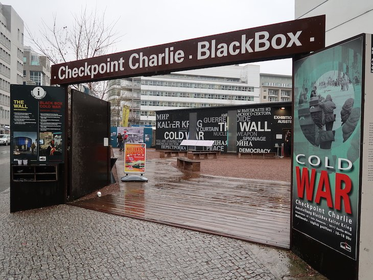 Checkpoint Charlie - Black Box Cold War - Berlim © Viaje Comigo