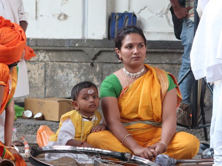 Menino e mãe da Mardani Khel em Kolhapur - India © Viaje Comigo