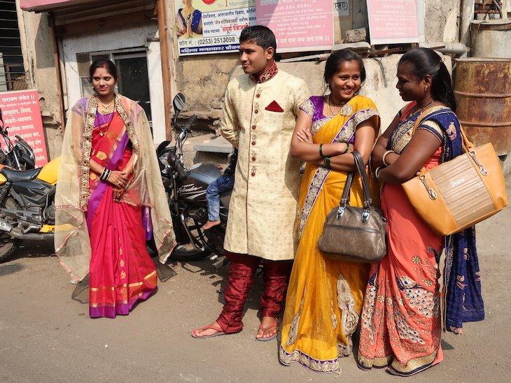 Noivos na rua Nashik -Maharashtra- India © Viaje Comigo