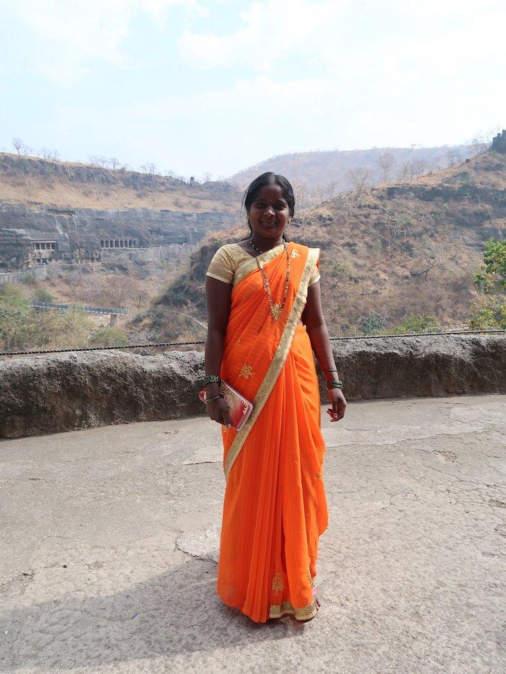 Sári nas Grutas Ajanta - Maharashtra - India © Viaje Comigo