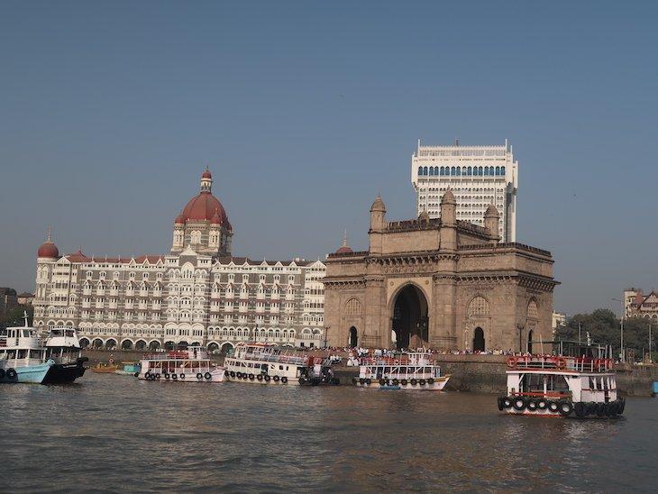 Chegada a Bombaim das Grutas de Elephanta - Bombaim - India © Viaje Comigo