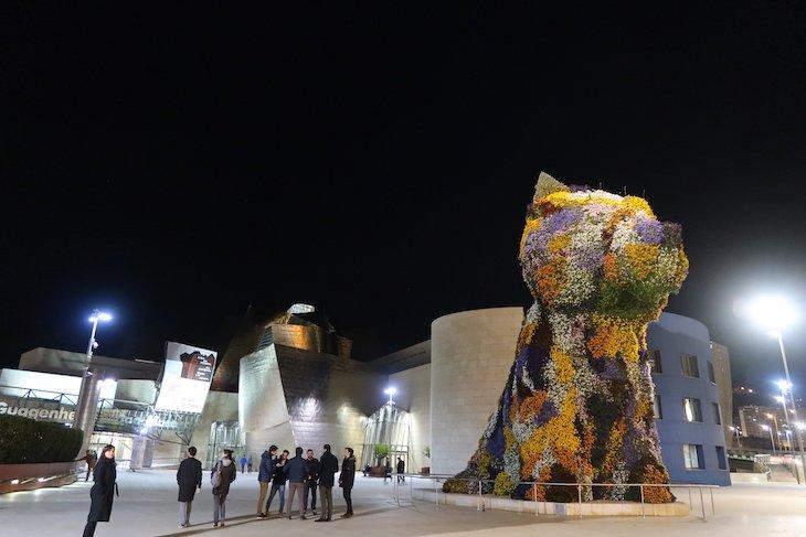Puppy no Museu Guggenheim em Bilbau © Viaje Comigo