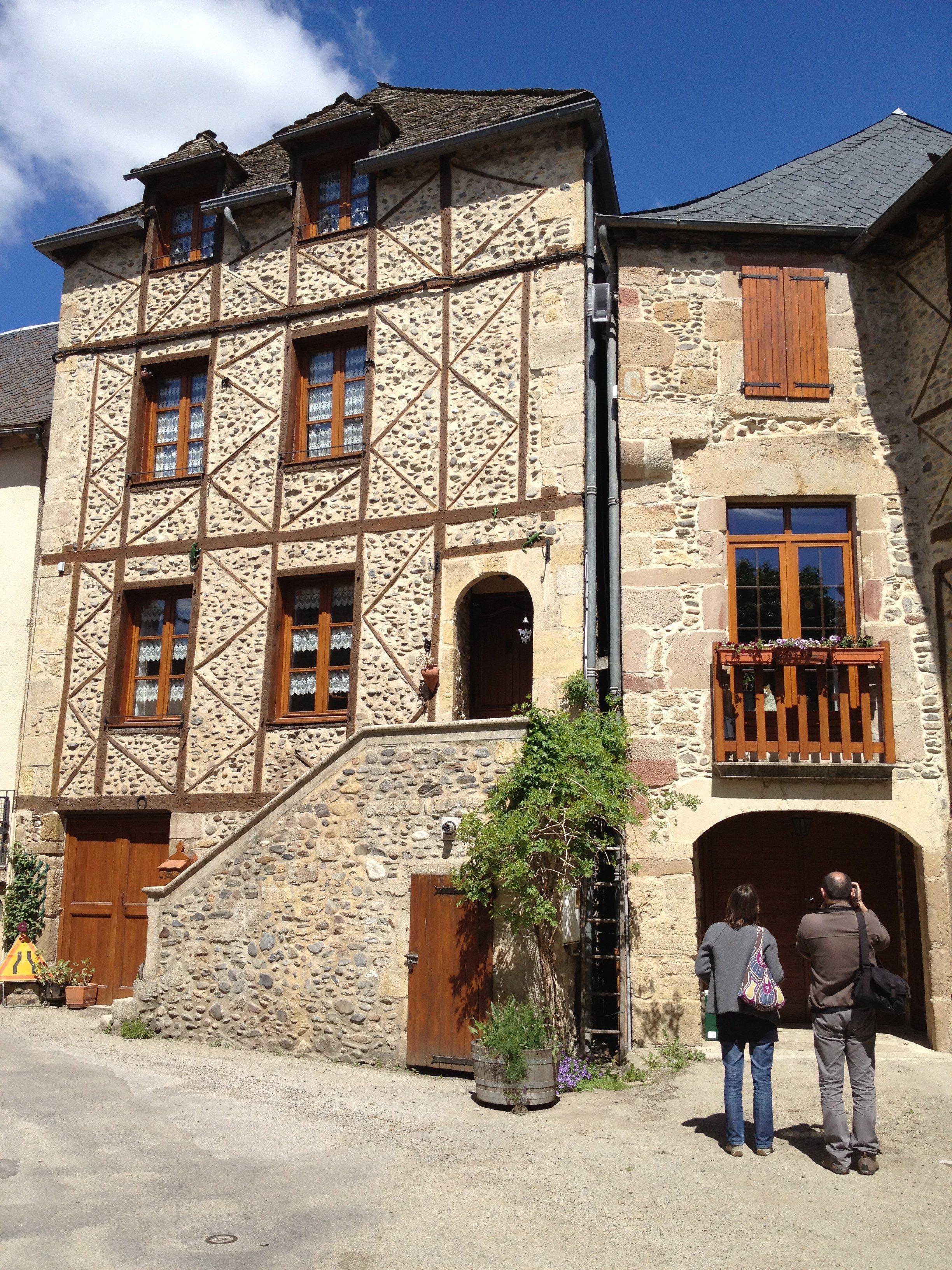 Sainte Eulalie d'Olt - Aveyron - França © Viaje Comigo