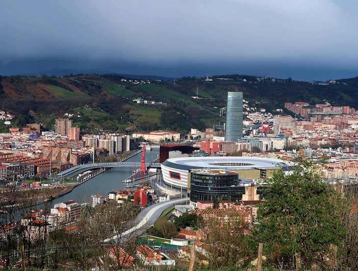 Vista para cidade de Bilbau, País Basco © Viaje Comigo