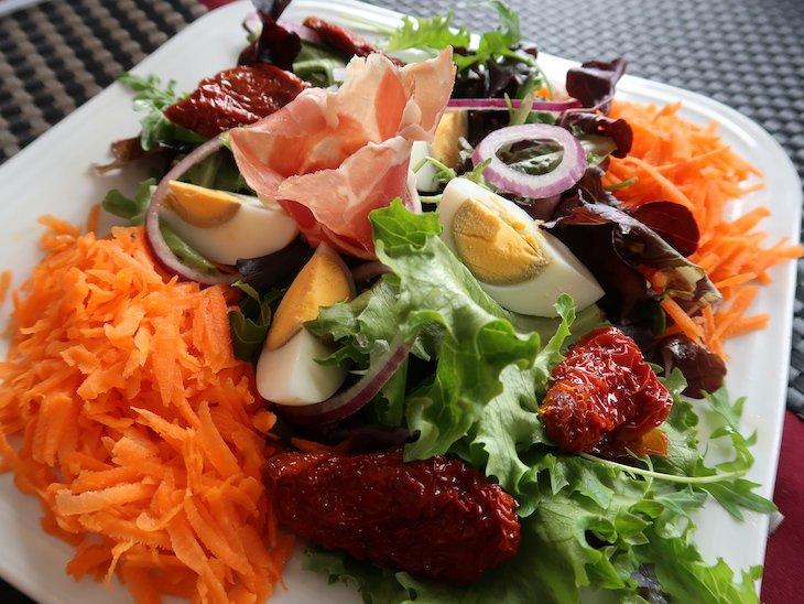 Salada do Restaurante Fornalha, Matosinhos © Viaje Comigo