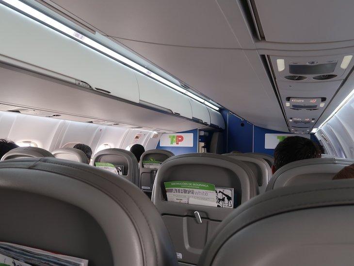 Dentro do ATR72- Ponte Aérea TAP © Viaje Comigo