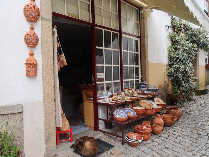 Comércio em Almeida- Portugal © Viaje Comigo