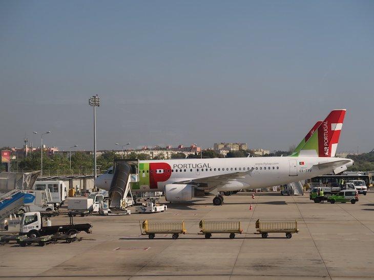 TAP no aeroporto de Lisboa © Viaje Comigo