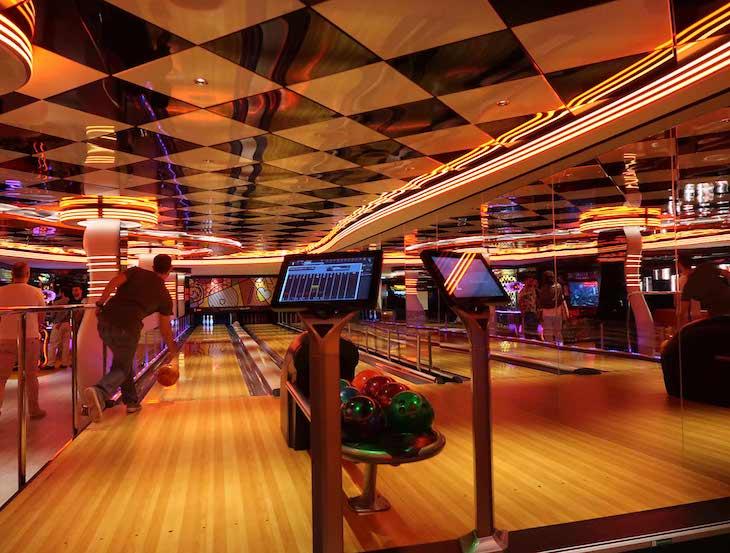Bowling no MSC Seaview © Viaje Comigo