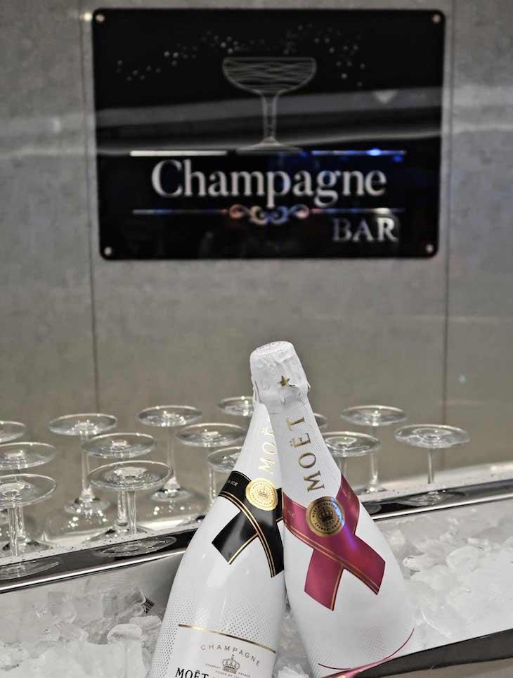 Champagne bar do MSC Seaview © Viaje Comigo