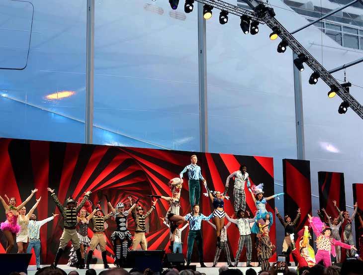 Apresentação dos espetáculos do MSC Seaview © Viaje Comigo