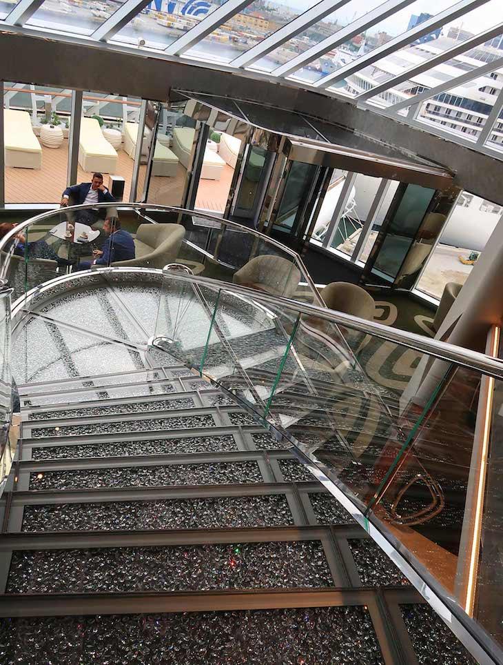 Escadas Swarovski - MSC Seaview © Viaje Comigo