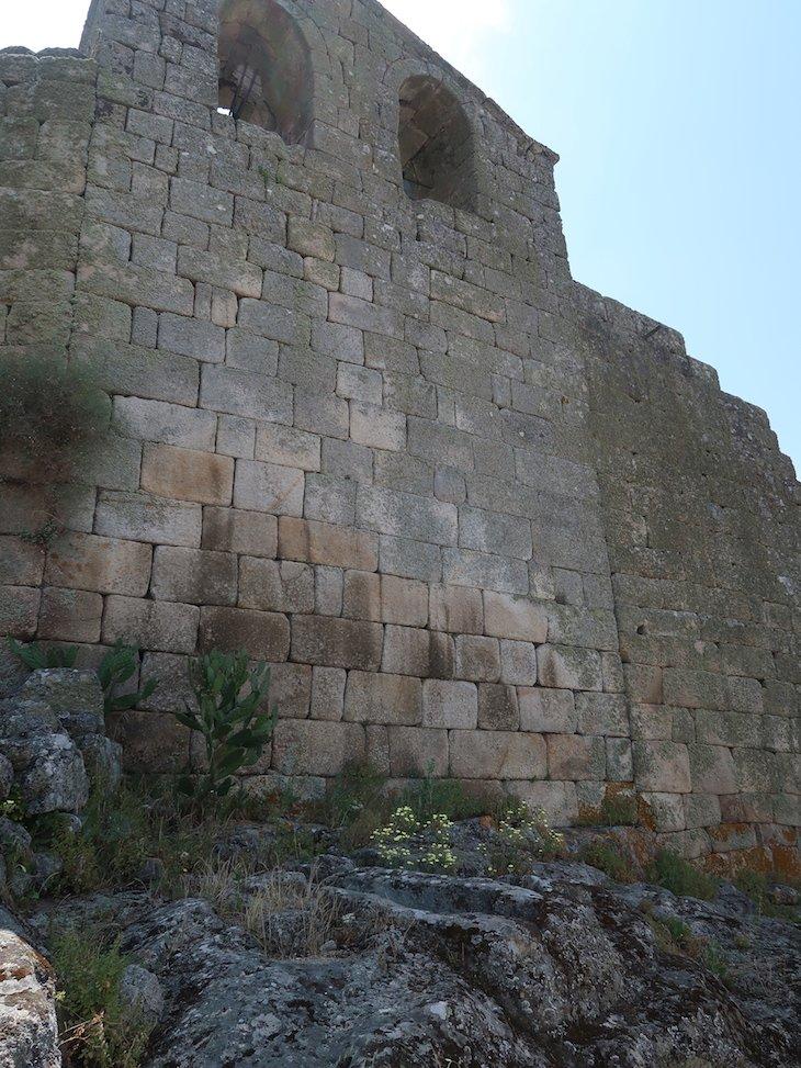 Sepulturas nas rochas - Marialva - Portugal © Viaje Comigo