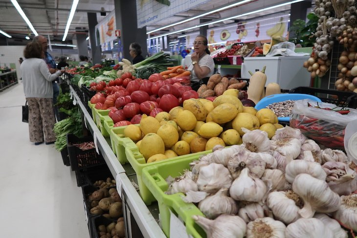 Mercado Temporário do Bolhão - Porto - Portugal © Viaje Comigo